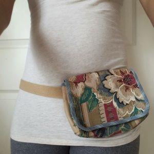 Floral boho fanny pack. Vintage Waist pack